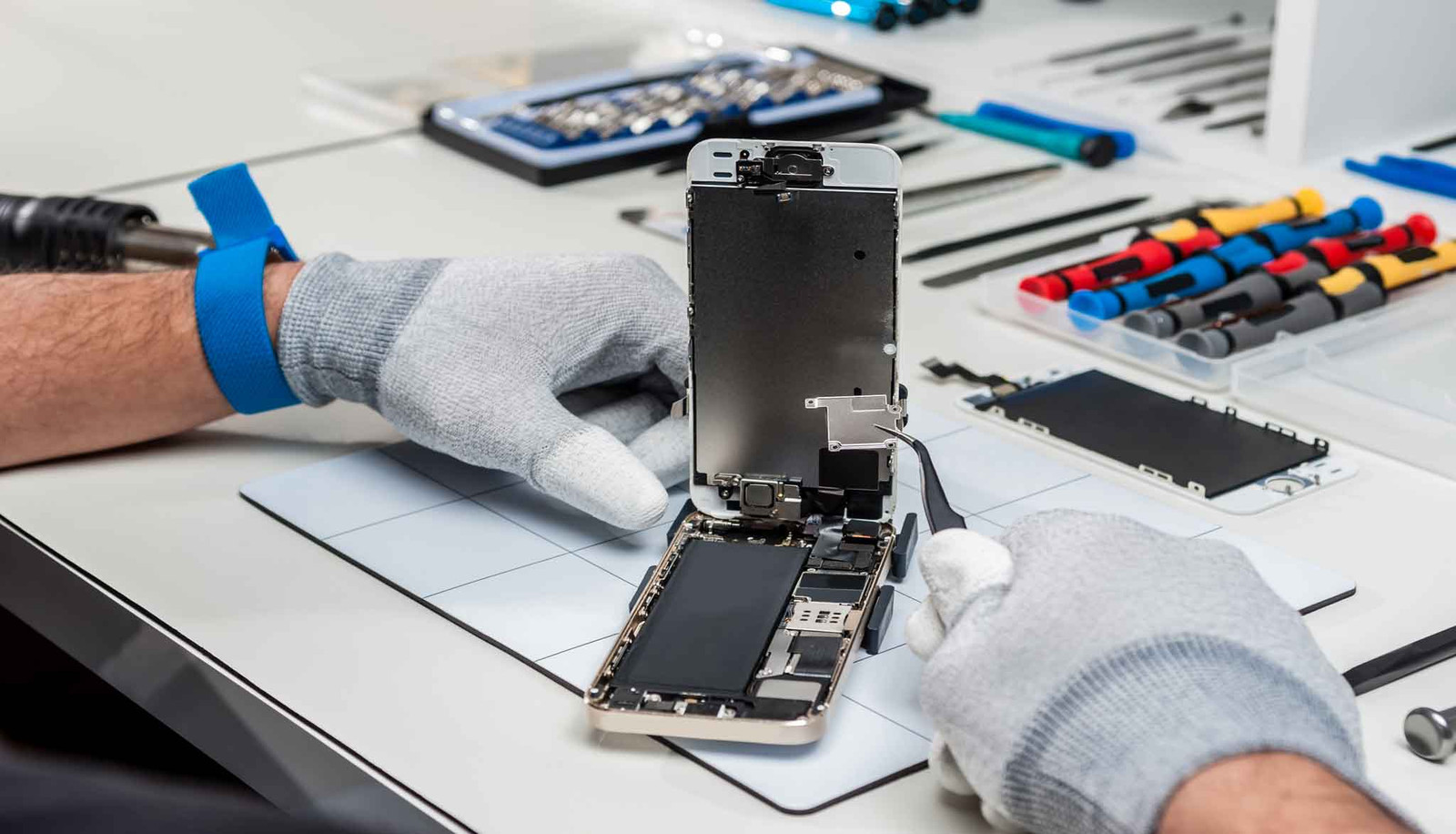 Best centers to obtain your own iPhone repair