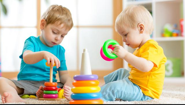 Discover how beneficial it is to leave your child in a Day-care (kinderopvang) to make him friendlier
