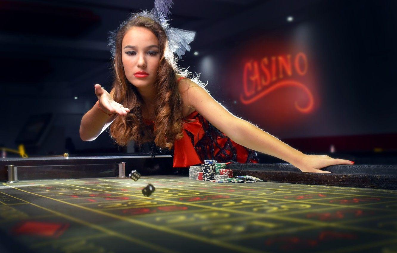 Earning Easy Money Through Live Casinos