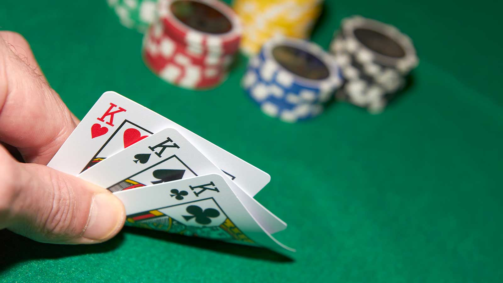 Gamble And Gain Rewards With Poker Online