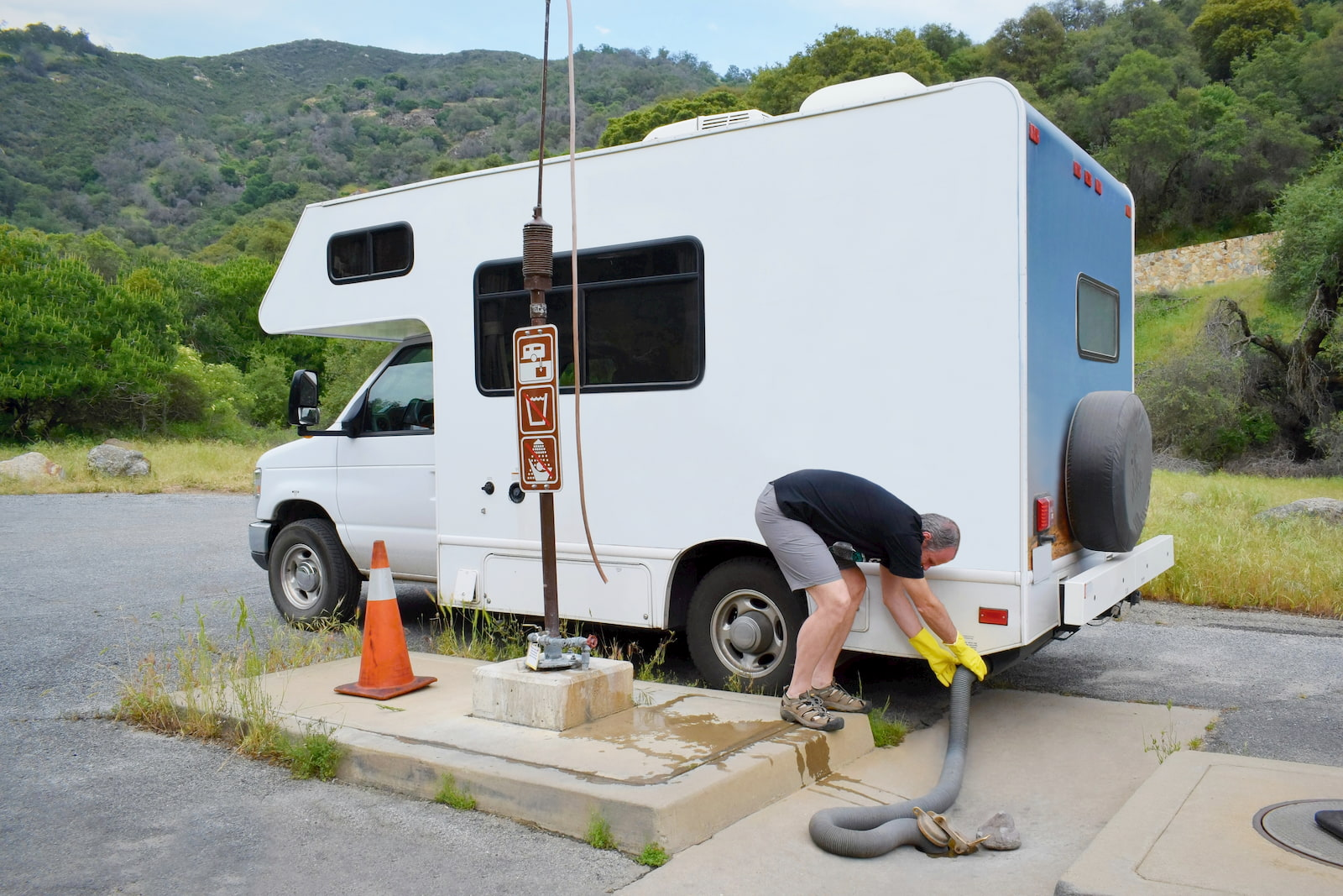 Correct your trailers with RV Maintenance Michigan